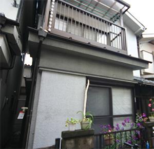 隣の家と接近している写真