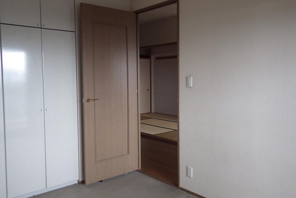 リフォーム前の子供部屋の扉