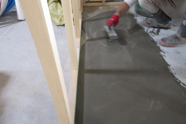 リフォーム中の和室の床レベル補正