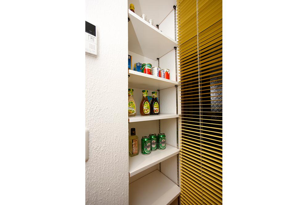 リフォーム後のキッチン食品庫