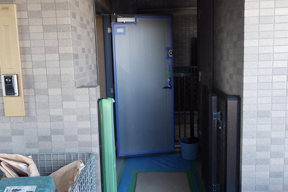 玄関扉の養生