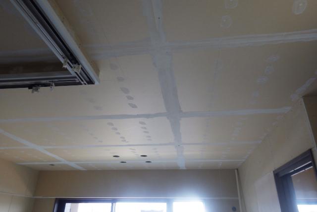 リビング天井壁下地工事中