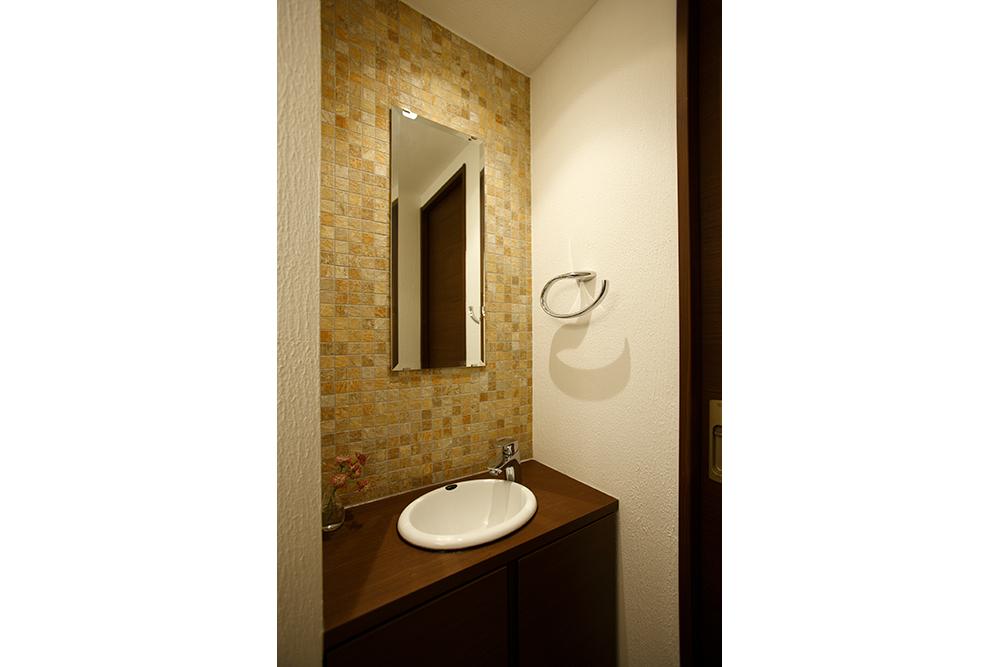 リフォーム後のトイレ手洗い全景
