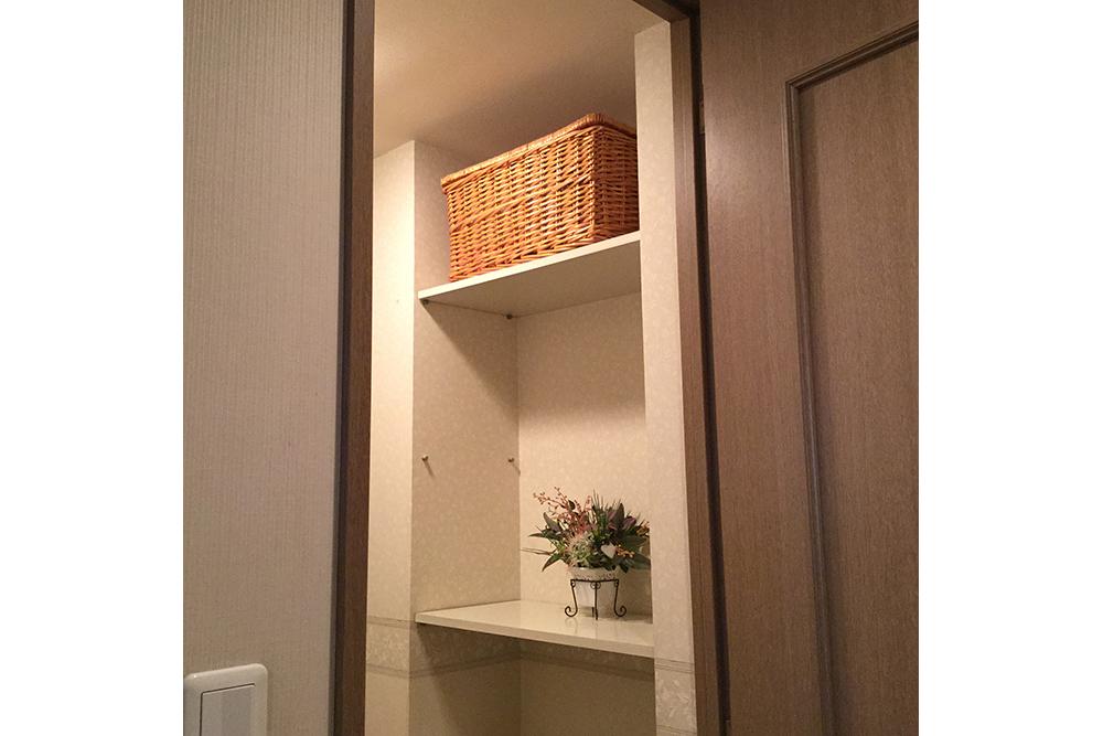 リフォーム前のトイレ収納棚