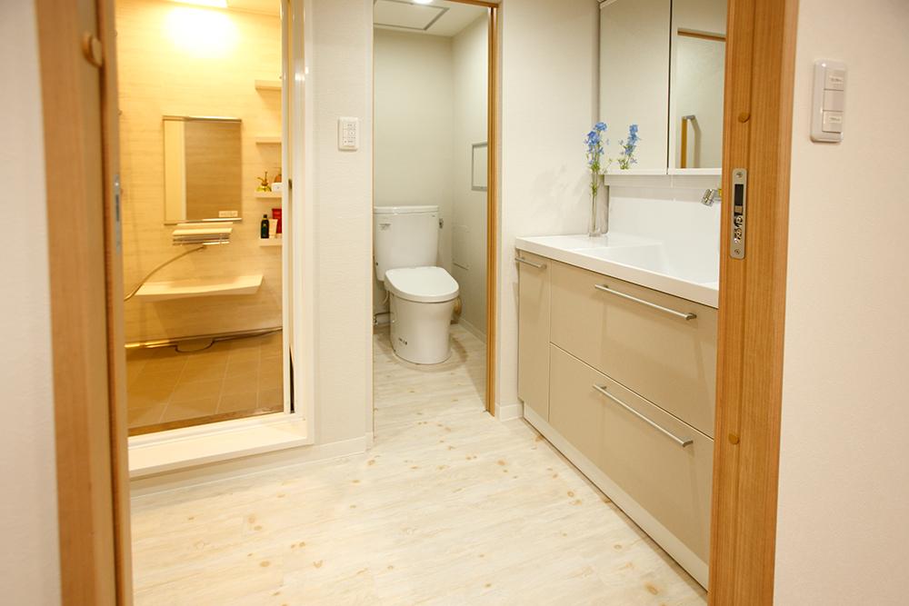 リフォーム後の洗面・トイレ・浴室