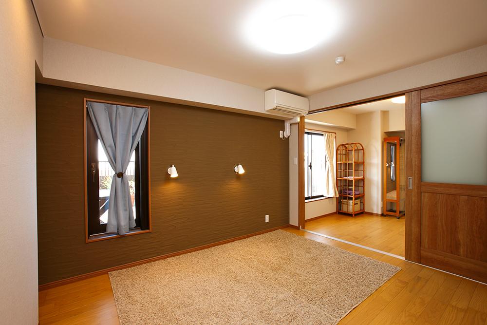 寝室完成後のシラス壁