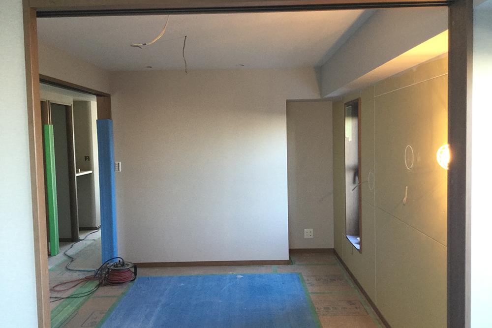 寝室の壁施工