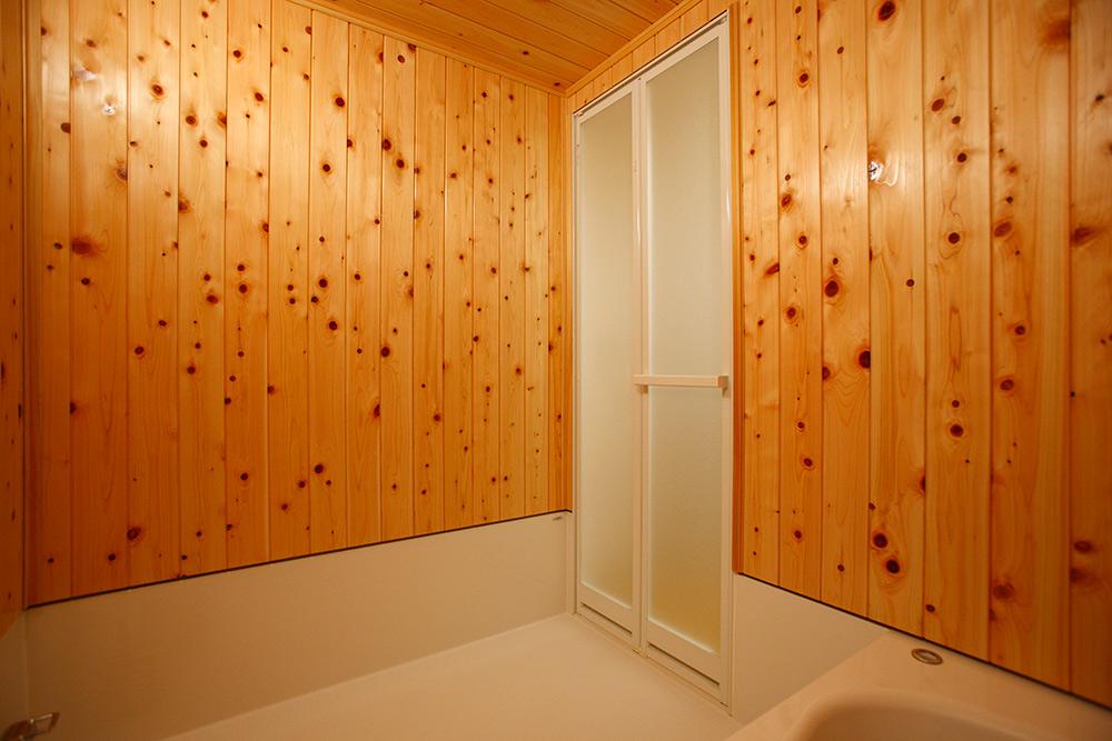 ヒノキ浴室入り口側