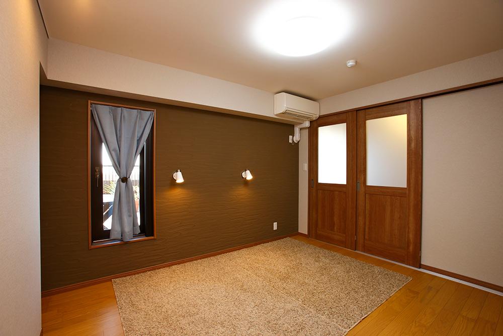 シラス壁のある寝室