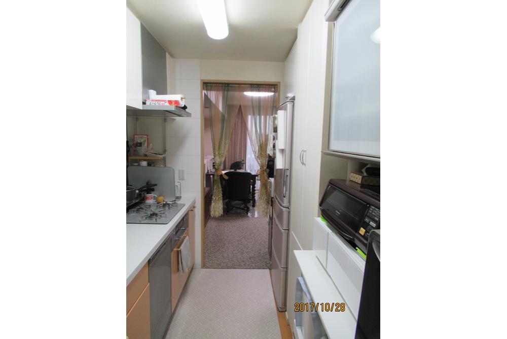 リフォーム前のキッチン・リビング